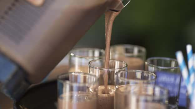 Nghiên cứu tuyên bố việc sử dụng creatine và bột protein có liên quan đến chứng nghiện rượu sau này