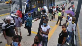 Ecuador extiende teletrabajo y aplaza clases presenciales por el COVID