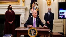 Biden alerta de que EEUU superará los 500.000 muertos por COVID en febrero