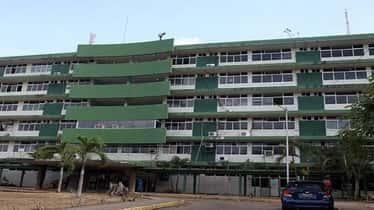 Familiares de pacientes recluidos en el Hospital Central de Maturín denunciaron la paralización de algunos servicios
