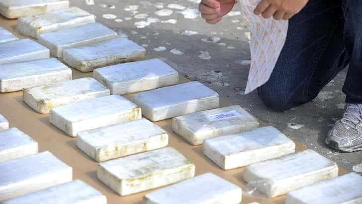 Hallaron una lancha abandonada en Falcón con más de 140 kilos de cocaína