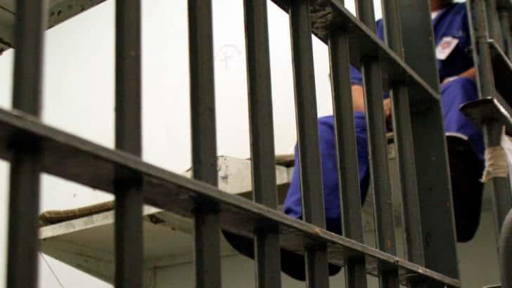 Preso en EEUU declarado culpable de dos violaciones y feminicidios, saldrá en libertad condicional