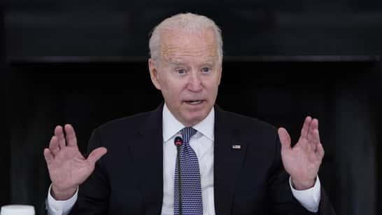 Repunte de infecciones en EEUU eclipsa triunfos de Biden
