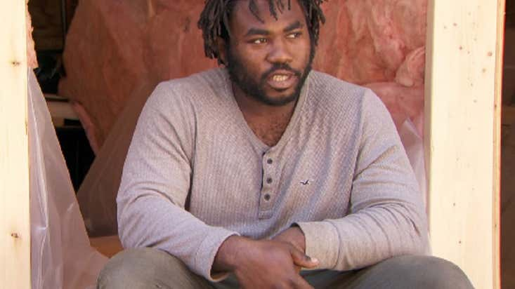 Khaleel Seivwright, the carpenter building shelters for homeless people in Canada for free