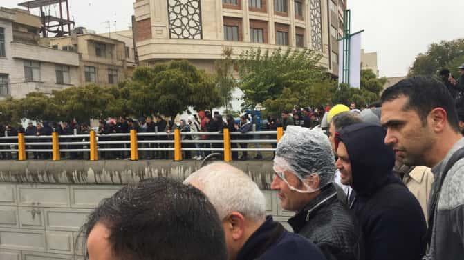 Iranian regime shoots fuel traders causing revolt in Saravan