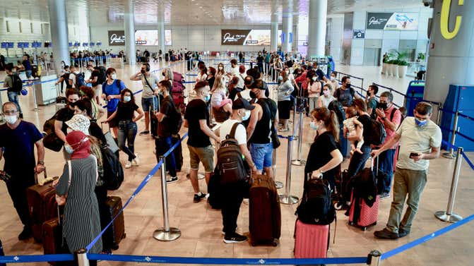 Thousands of entry requests to Israel by Jewish tourists remain unanswered