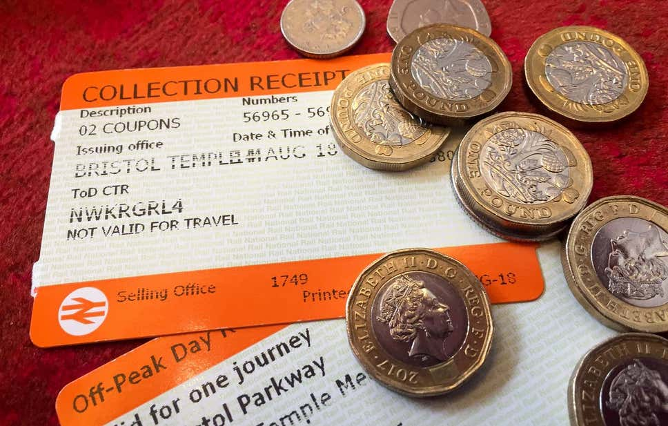 Flexible rail season tickets will offer 15% discount – report