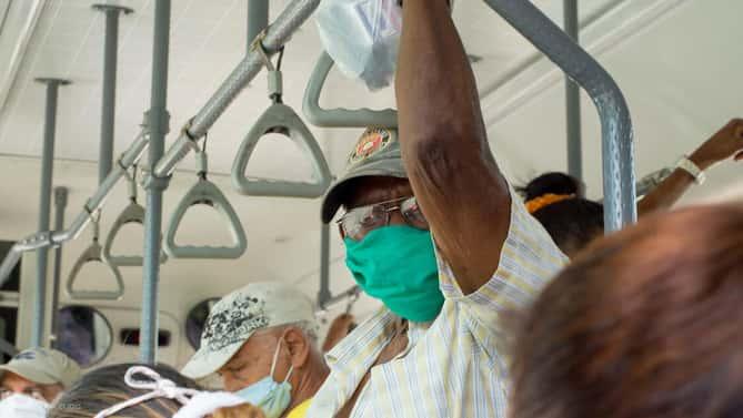 Llaman a campaña para que régimen compre vacunas contra COVID-19