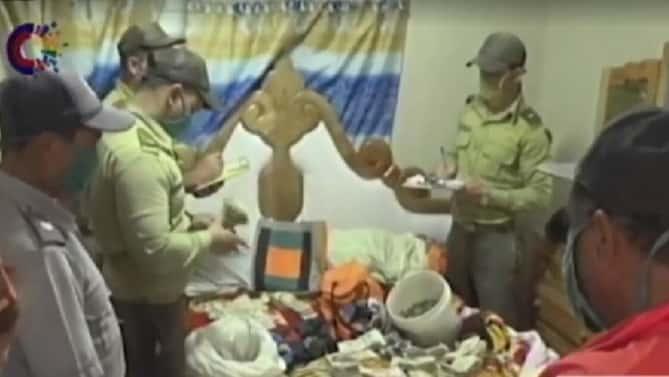 Confiscan más de 400 mil pesos y 58 gallos a cubano